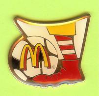 Pin's Mac Do McDonald's Ronald Foot - 6D18 - McDonald's