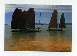 CP Vietnamienne Utilisée. Sampans En Baie D'Ha Long. Boat-wharf. Ed. Detourpro, HaNoi - Velieri