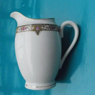 Pot à Lait Ou à Crème Porcelaine L S Limoges - Limoges (FRA)