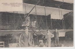 CPA Angers - Grand Meeting D'Aviation - L'aviateur Dickson Surveille Le Montage De Son Biplan (belle Scène) - Angers