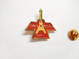 Beau Pin's , Médical , Croix Rouge Paris , Tour Eiffel , Signé Logo Motiv - Medici