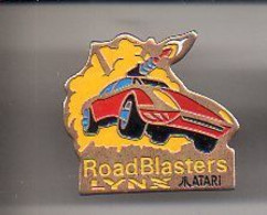 REF Y7 : Pin's Pin Jeux Video Atari Lynx Road Blasters - Giochi