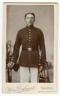 CDV Photo Foto Um 1900 - Hans Dessoneck, Graudenz - Schmucker Junger Soldat, Stehend In Uniform - War, Military