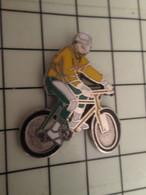 715e Pins Pin's / Rare & Belle Qualité THEME SPORTS / CYCLISME VTT OU BMX - Ciclismo