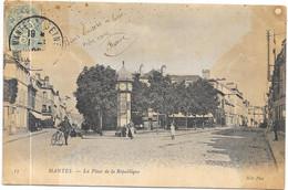 MANTES : LA PLACE DE LA REPUBLIQUE - Mantes La Ville