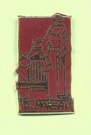 Pin's D. Moreau - 3C06 - Pin's