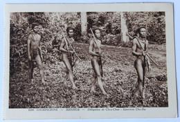 CPA Cochinchine Bien Hoa Vietnam Indochine Délégation De Chua-Chan Guerriers Cho-Ma Peuple Moïs Nadal Saïgon - Vietnam