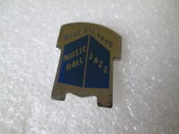 PIN'S   BLUE BIG BAND   MUSIC HALL JAZZ - Musica