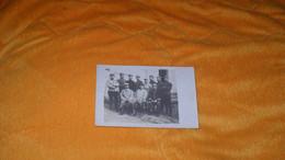 CARTE POSTALE PHOTO ANCIENNE NON CIRCULEE DATE ?.../ POSE PHOTO  MILITAIRES REGIMENT ?... - Guerra 1914-18