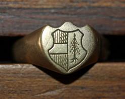 Bague Ancienne Armoirie De La Ville De Thann (Haut-Rhin) Brisée En 4 Morceaux (réparé) - Bagues