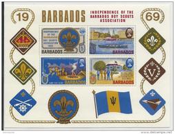 BARBADES - YVERT BLOC N°2 ** - SCOUTISME - COTE = 20 EURO - Barbades (1966-...)