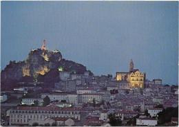 CPM - Editions D. PIGNOL - LE PUY EN VELAY - Façade De La Cathédrale Et Statue Notre Dame De France La Nuit - Le Puy En Velay