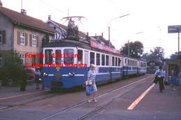 ReproductionPhotographie D'un Tramway BLT Ligne 17 à Un Arrêt à Bâle En Suisse En 1978 - Reproductions