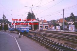 ReproductionPhotographie De Plusieurs Tramway BLT17 Au Dépôt à Bâle En Suisse En 1978 - Reproductions