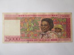 Madagascar 2500 Francs 1998 Banknote - Madagascar