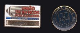 67080-Lot De 2 Pin's.Banque.Portugal.Portuguese. - Banks