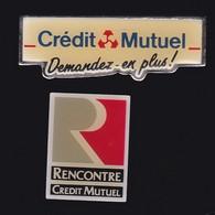 67082-Lot De 2 Pin's.Banque.Credit Mutuel. - Banks
