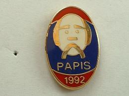 PIN'S PAPIS - 1992 - PARIS - Rugby
