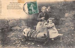 Non Localisé. Auvergne. Cantal       15    Fileuse Au Rouet Et Berceau    Edition  Gély 59      (Voir Scan) - Non Classificati