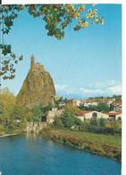 LE PUY EN VELAY   ( HAUTE LOIRE )  ROCHER L ' AIGUILHE  COURONNE  PAR UNE CHAPELLE ROMANE......... - Le Puy En Velay