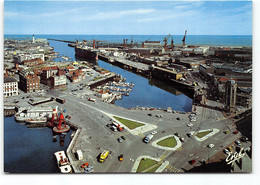 Dunkerque. Vue Generale Du Port. Au Premier Plan  Place Du Minck Et à Sa Droite Tour Leughenaer. Edit Estel - Dunkerque
