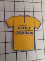 715d Pins Pin's / Rare & Belle Qualité THEME SPORTS / CYCLISME CREDIT LYONNAIS TOUR DE FRANCE MAILLOT JAUNE - Ciclismo