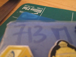 713m Pins Pin's / Rare & Belle Qualité THEME BOISSON / WHISKY CLAN CAMPBELL - Boissons