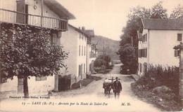 64 - Sare - Arrivée Par La Route De Saint-Pée - Sare