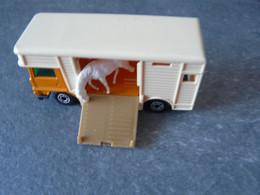 Bétaillère Camion Transport Bétails Chevaux Etc - Trucks, Buses & Construction
