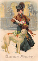 Nouvel An - N°69033 - Bonne Année - Jeune Femme Portant Des Cadeaux, Près D'un Chien - Carte Gaufrée - Año Nuevo