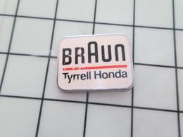 2117 Pins Pin's / Rare & Belle Qualité THEME SPORTS / AUTOMOBILE F1 BRAUN TYRELL HONDA - Automobilismo - F1
