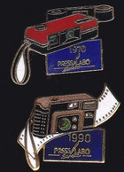 67116-Lot De 2 Pin's.Photo.Press Labo. - Fotografia