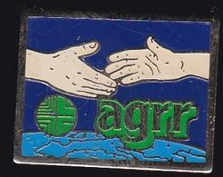 67132-Pin's.AGRR Devient AG2R. Création De L'Union De Mutuelles AG.Mut. - Medici