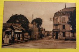 CPA - SAINTES - Rue Frédérick Mestreau - Saintes