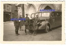 WW2 PHOTO ORIGINALE Soldat Allemand à ROMORANTIN LANTHENAY Dvt église St Etienne P. Blois Vierzon LOIR ET CHER 41 - 1939-45