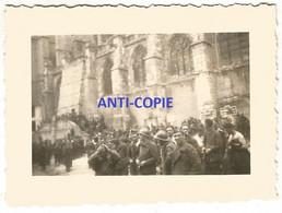 WW2 PHOTO ORIGINALE ALLEMANDE Prisonnier De Guerre Français PG à SEZANNE P. Epernay 51 MARNE N°1 - 1939-45