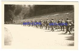 WW2 PHOTO ORIGINALE Soldats Allemands Cyclistes Au Pied De La Citadelle à BELFORT 90 - 1939-45