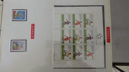 L40 Thématique (timbres/blocs**) Foot-Ball Coupe Du Monde En Italie 1994 En Plusieurs Pays  A Saisir !!! - Collections (with Albums)