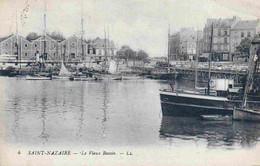 44 SAINT NAZAIRE Le Vieux Bassin ; Chalutiers, Canots - Saint Nazaire