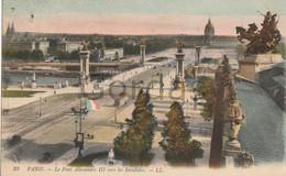 France - Paris - Le Pont Alexandre III Vers Les Invalides - Circulata Ploiesti - Romania - Finlandia