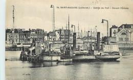 SAINT NAZAIRE - Entrée Du Port, Devant L'écluse, Bateau Drague, Remorqueurs. - Saint Nazaire