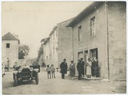 Une Rue Animée à Arinthod (Jura). Automobile. 1921. - Plaatsen