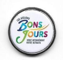 Jeton De Caddie BOURGOGNE, FRANCHE-COMTE? Les  Ateliers  BONS  JOURS  VIVEZ  INTENSEMENT  VOTRE  RETRAITE - Munten Van Winkelkarretjes