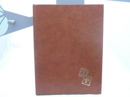 Album Timbres-grand Format.marron Clair.32 Pages. - Formato Grande, Fondo Negro