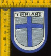 Scudetto Stemma In Stoffa Souvenir D' Epoca Fondo Blu Finlandia Finland - Patches
