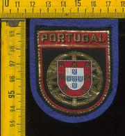 Scudetto Stemma In Stoffa Souvenir D' Epoca Fondo Blu Portogallo Portugal - Patches