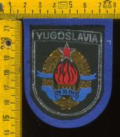 Scudetto Stemma In Stoffa Souvenir D' Epoca Fondo Blu Yugoslavia - Patches
