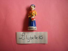 Feve PERSO En Porcelaine GEANT - MIL TROMMELAERE - Série DEBLOCK 2013 ( Feves Figurine Miniature ) RARE - Regio's
