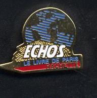 Pin's Carte De France Echo Livre Hachette - Medien