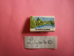 Feve PERSO En Porcelaine - MARAIS DE BRIERE - BESNE 2011  ( Feves Figurine Miniature ) - Région
